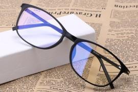 长时间看电脑和手机真的需要防蓝光眼镜么?